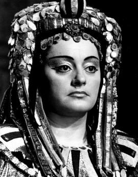 Az Aida Amneriseként (Forrás: operavilag.net)
