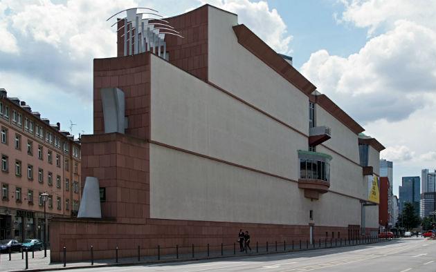 A Modern Művészetek Múzeuma Frankfurtban (Fotó: Wikipedia)