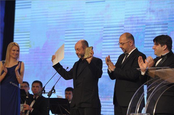 Tompa Gábor igazgató a díjátadón (MTI Fotó: Biró István)