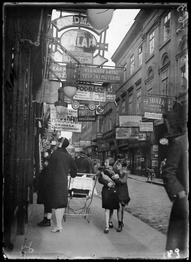 Kinszki Imre: Király utca, 1929