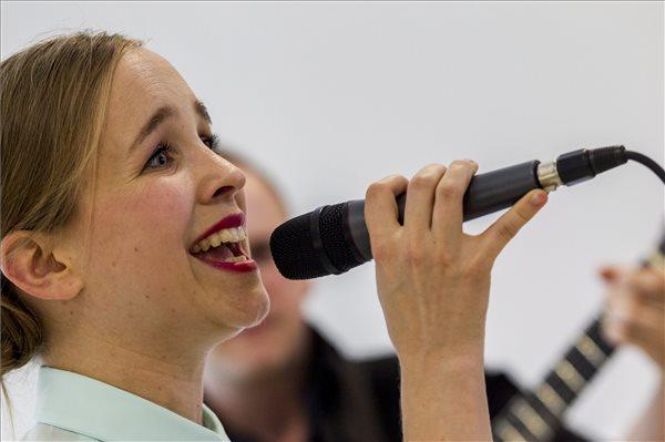 Harcsa Veronika a sajtótájékoztatón (MTI Fotó: Szigetváry Zsolt)