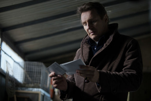 Liam Neeson a Sírok között (Forrás: Atsushi Nishijima/Tombstones Productions)