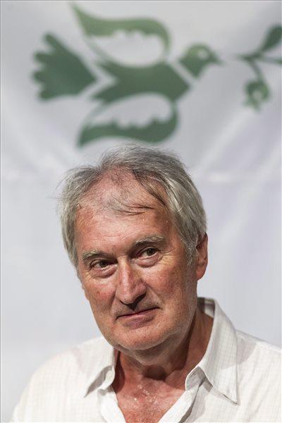 Sipos László a megnyitón (MTI Fotó: Szigetváry Zsolt)