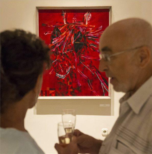 Sipos László: A sztár című festménye a kiállításon (MTI Fotó: Szigetváry Zsolt)
