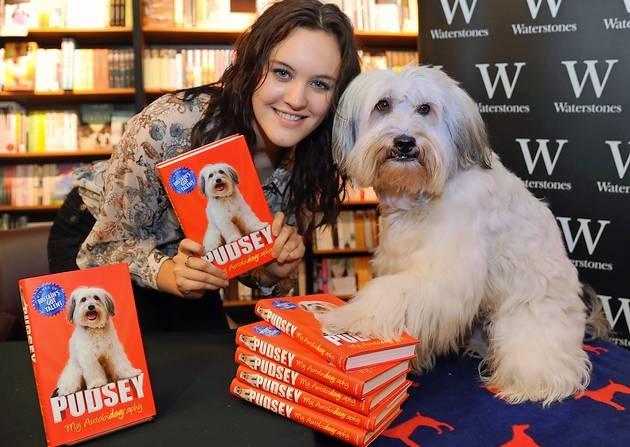 Pudsey és gazdája, Ashleigh Butler (Fotó: Denise Bradley/eveningnews24.co.uk)
