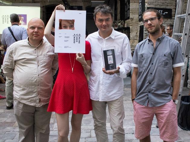 A győztes stáb a díjkiosztón: Bényi Péter operatőr-vágó, Borsi Flóra, Kalmár András rendező-producer és Kaltenecker Tamás gyártásvezető