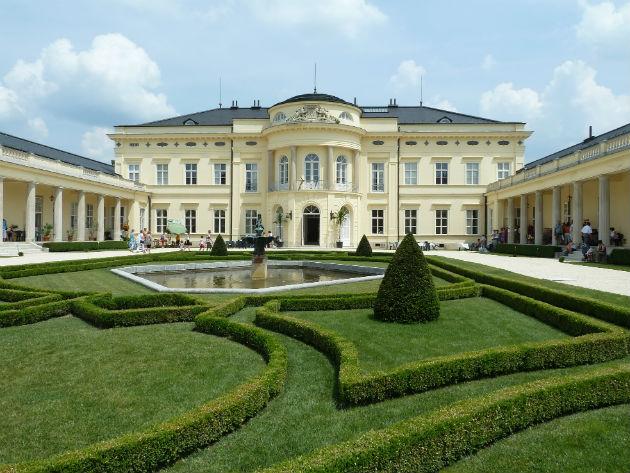 Károlyi kastély (Fotó: :Digitális Képarchívum)