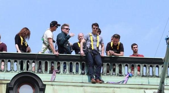 Tom Cruise a forgatáson (Fotó: comingsoon.net/Twitter)