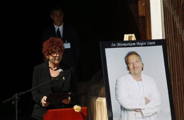 Hernádi Judit színművész beszédet mond Bajor Imre temetésén a Farkasréti temetőben 2014. augusztus 22-én. A színművész életének 58. évében, augusztus 6-án hunyt el. MTI Fotó: Szigetváry Zsolt