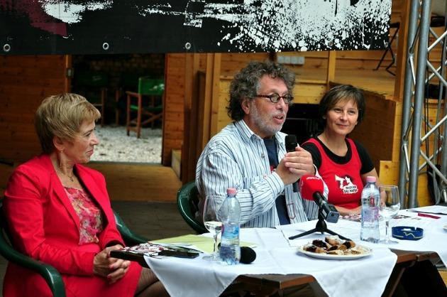 Székelyné Pásztor Erzsébet, Presser Gábor és Szabó Edit a sajtótájékoztatón (Fotó: Rick Zsófi)