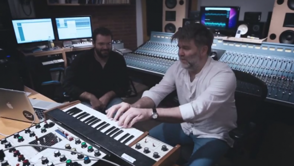 James Murphy & Patrick Gunderson (Fotó: Youtube/Music Times)
