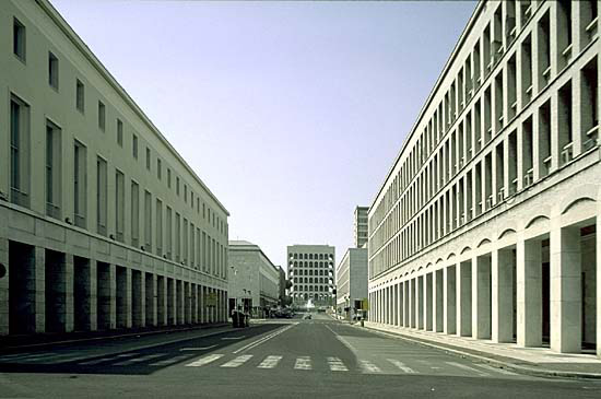 Az új helyszín: EUR - Esposizione Universale Roma (Fotó: theartnewspaper.com)