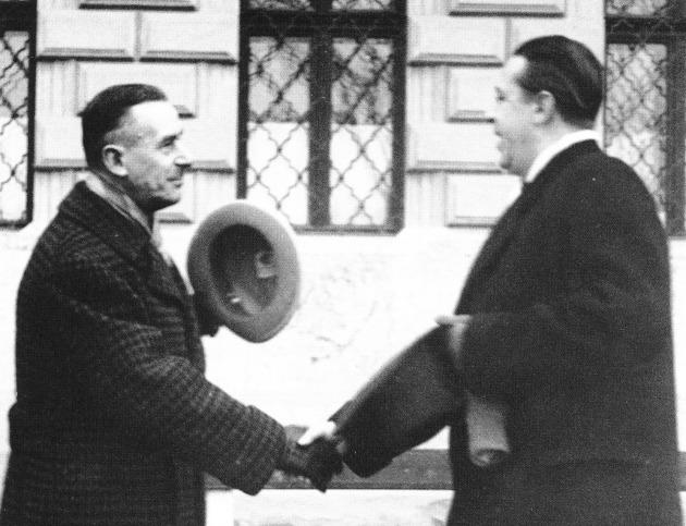 Márai Sándor Thomas Mannt fogadja a Budai várban 1935-ben (Fotó: tenyezo.hu)