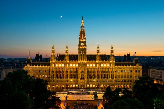 Rathaus / Városháza (Fotó: © WienTourismus / Christian Stemper)