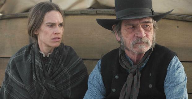 Hilary Swank és Tommy Lee Jones a The Homesman című filmben