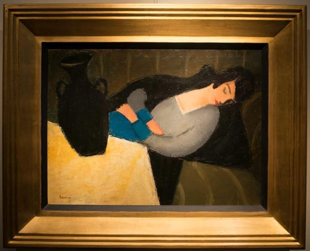 Berény Róbert: Alvó nő fekete vázával (MTI Fotó: Kallos Bea)
