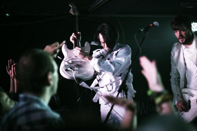 A Klaxons (A fotó nem a bp.-i koncerten készült)