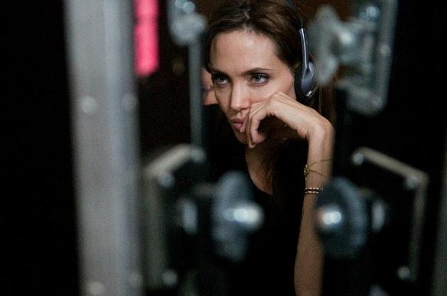 Angelina Jolie az Unbroken forgatásán (Fotó: flicksandbits.com)