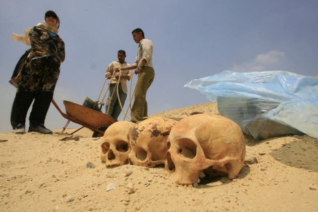 Illusztráció - Egyiptomi régészek (Fotó: AFP/Hirado.hu)