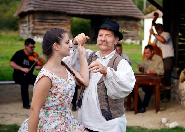 Táncosok az I. Kárpát-medencei Táncházzenészek Találkozóján (MTI Fotó: Beliczay László)