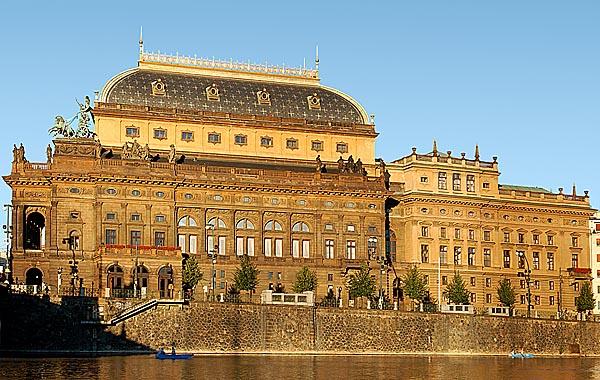 Nemzeti Színház, Prága (fotó: travelioo.com)