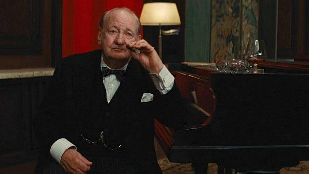 Rod Taylor Winston Churchill szerepáben a Becstelen Brigantykban (Fotó: stopklatka.pl)