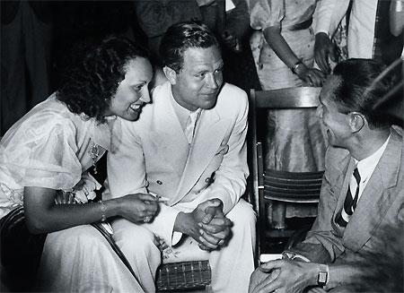 Lída Baarová (bal) és Joseph Goebbels (jobb)