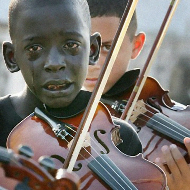 Diego Frazão Torquato, egy 12 éves brazil fiú hegedül tanára temetésén