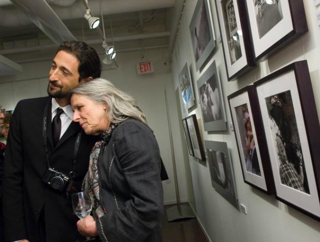Adrien Brody és édesanyja, Sylvia Plachy (Fotó: zimbio.com)