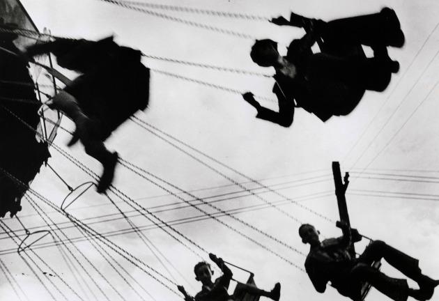 Robert Capa: Áprilisi vásár (Sevilla, Spanyolország, 1935. április)