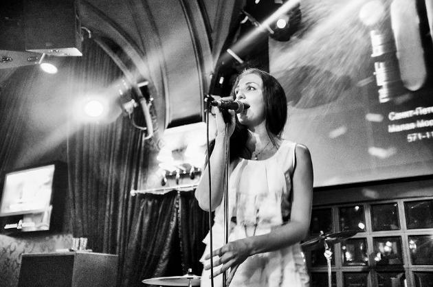 25 éves Irina, énekes - A legnagyobb álmom, hogy saját zenét írhassak, amit utána megoszthatok másokkal. (Fotó: Keen Heick-Abildhauge)