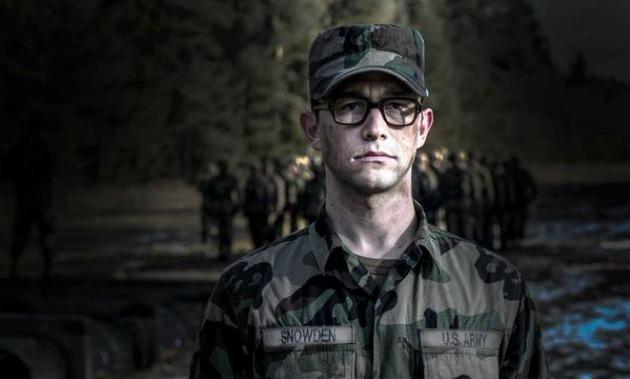 Joseph Gordon-Levitt Edward Snowden szerepében (Fotó: Huffington Post Twitter)