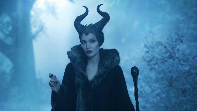 Angelina Jolie Demóna szerepében (Fotó: disney.hu)