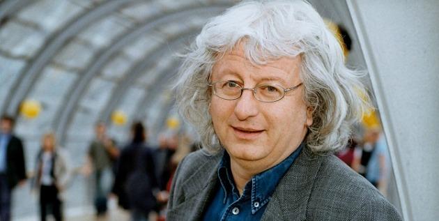 Esterházy Péter (Fotó: vers.hu)