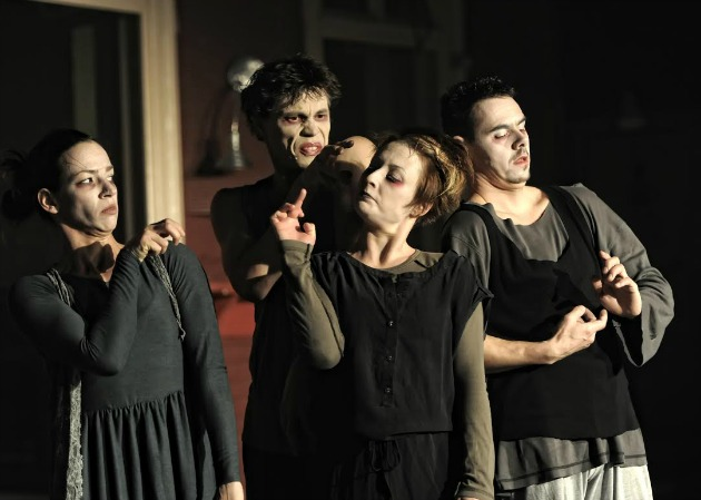 A képen Fehér Laura, Tókos Attila, Gera Anita, Bora Gábor (Fotó: Jókuti György)