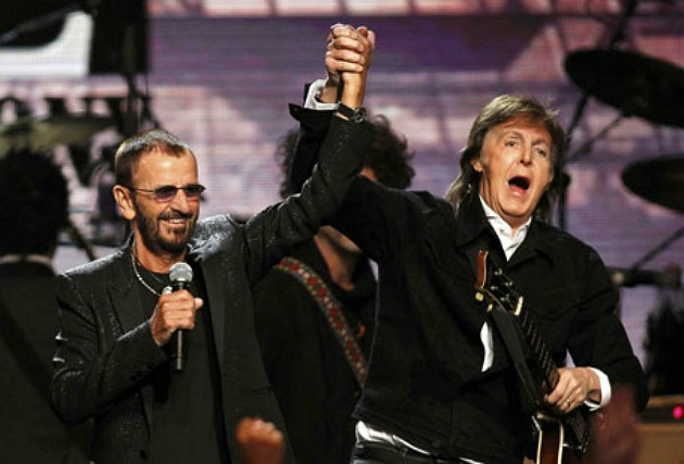 Ringo Starr és Paul McCartney (Fotó: emirates247.com)