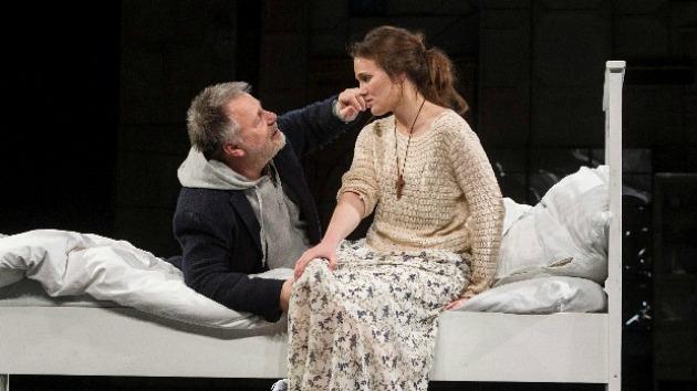 Máté Gábor Faust és Mészáros Blanka Margaréta szerepében (MTI Fotó: Szigetváry Zsolt)