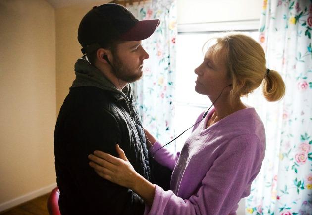 Jack Reynor és Toni Collette a Glasslandban