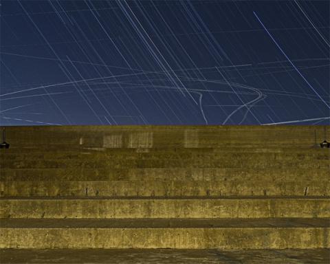 Yasuyoshi Sakamoto : Fishing the Sky 1 (fotó: shareable.net)