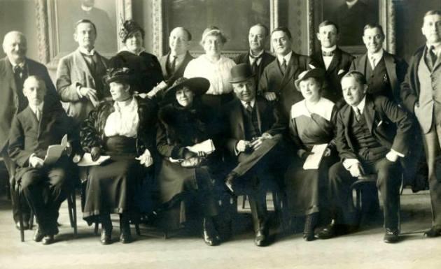 Az Első Magyar Tábori Színház társulata az indulás előtt, 1917-ben (Forrás: OSZMI)