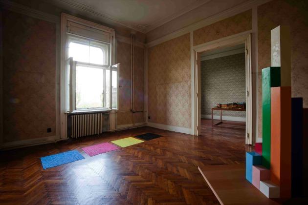 Kis Varsó: Tevőleges (Fotó: The Orbital Strangers Project/OFF-Biennále Budapest Archívum)