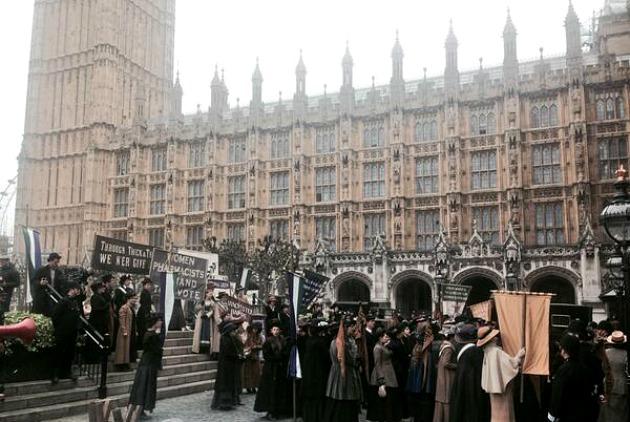 Forgatás a londoni Parlament mellett (Fotó: Twitter)