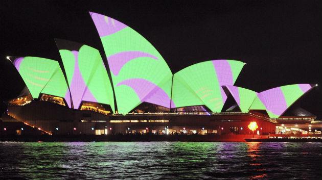 A sydney Operaház – pillangóként. (Fotó: hirado.hu/EPA)