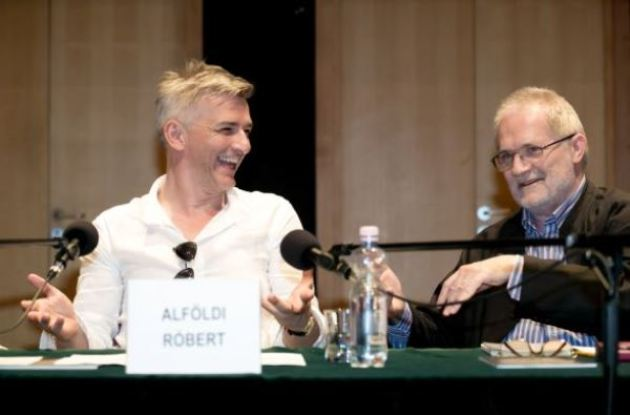 Alföldi Róbert és Eötvös Péter (Forrás: fidelio.hu)