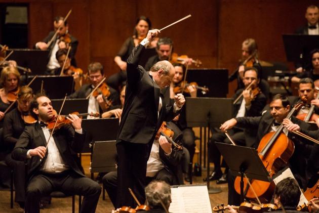 Fischer Iván és a zenekar (Fotó: bfz.hu)