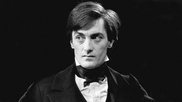 Roger Rees Nicholas Nickleby szerepében (Fotó: theatermania.com)
