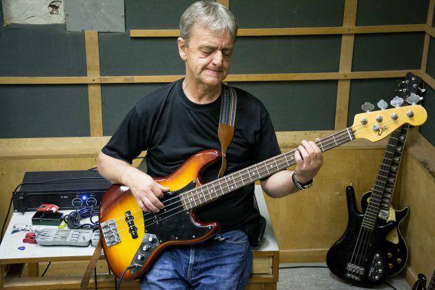 Bayerle Pál - gitár, basszusgitár (Fotó: Horváth Márk)