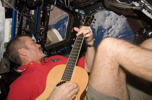 Chris Hadfield (Fotó: collectspace.com)