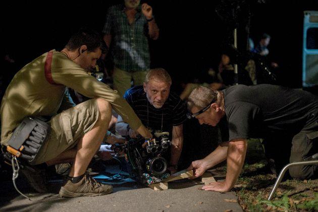 Szabó Gábor operatőr Sopsits Árpád a Martfűi rém című filmjének forgatásán (MTI Fotó: Kallos Bea)