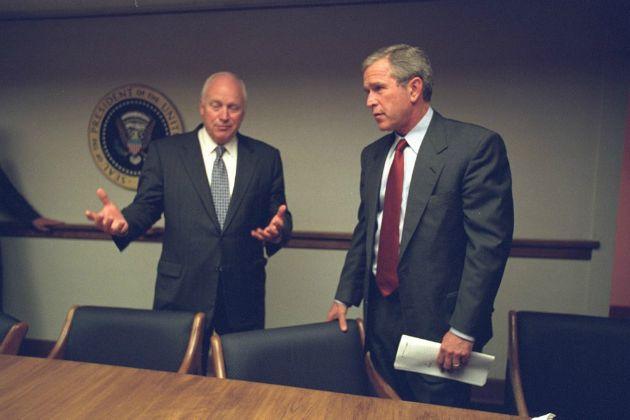 Cheney alelnök és George W. Bush elnök